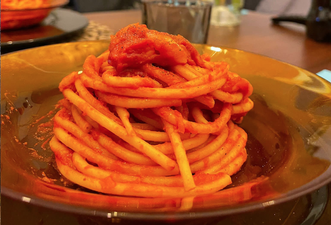 Un piatto di pasta all'amatriciana